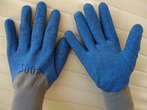 blue gloves for firewood
